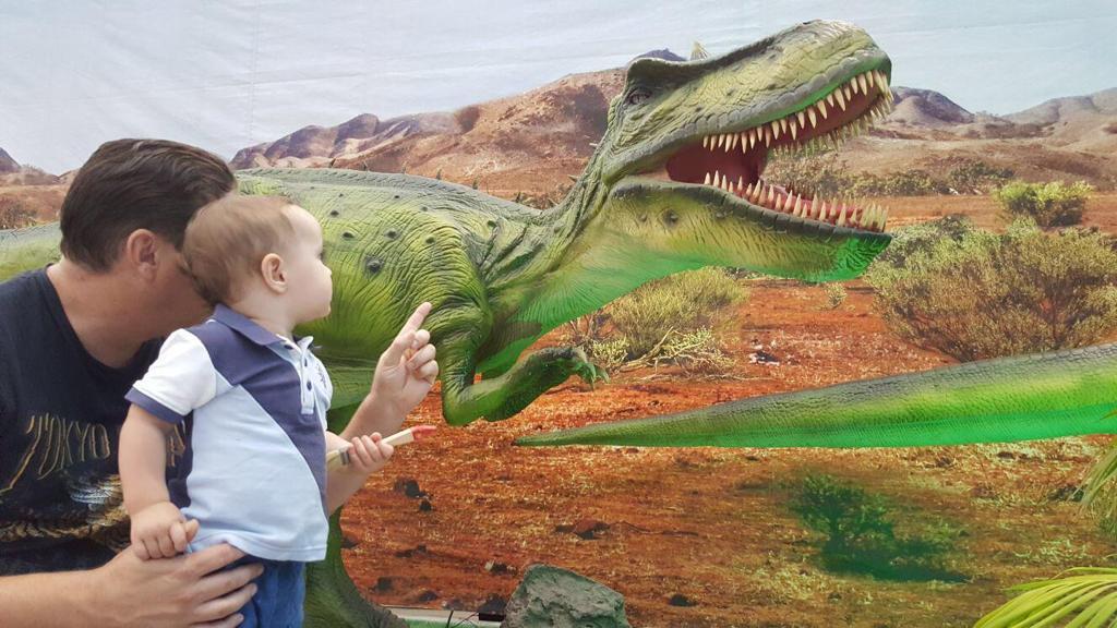 Dinosaurs Live, la mostra